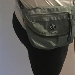 Lulu lemon cross body bag
